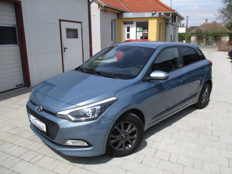 Hyundai I20  1.25  1.Tul. Szervizkönyv